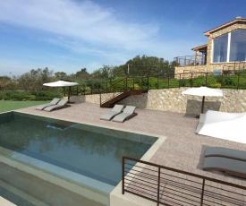 Bibbona Villa Sleeps 8 with Pool Air Con and WiFi