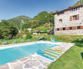 Awesome apartment in Gallicano w/ Outdoor swimming pool, WiFi and 1 Bedrooms