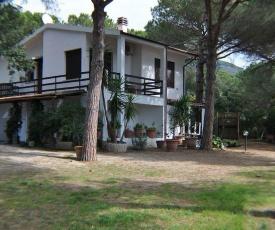 Ampio appartamento Villa Lacona Isola d'Elba