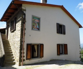 Cozy Holiday Home in Borgo San Lorenzo Tuscany near Forest