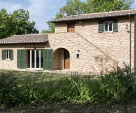 Provincial Villa in Marciano Tuscany with Pool
