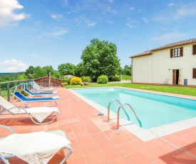 Seven-Bedroom Holiday home Monticiano SI with an Outdoor Swimming Pool 01