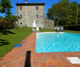 Charming Cottage in Trebbio with Swimming Pool
