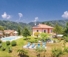 Holiday home Pescia 74 with Outdoor Swimmingpool