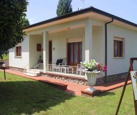 Holiday Home Casa Il Gatto Nero Camaiore Marignana - ITO011010-F