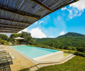 Quaint Holiday Home in Anghiari Italy with Pool