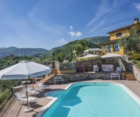 Cantagrillo-Casalguidi Villa Sleeps 6 Pool WiFi