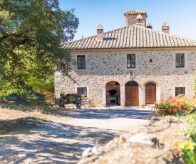 Secluded Apartment in Rapolano Terme with Garden
