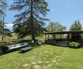 Traditional Apartment in Rapolano Terme with Swimming Pool