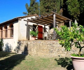 San Casciano dei Bagni Villa Sleeps 4 Air Con WiFi