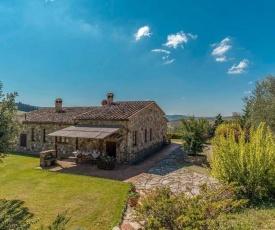 San Casciano dei Bagni Villa Sleeps 8 with Pool and WiFi