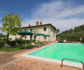 Lavish Farmhouse in San Gimignano with Swimming Pool