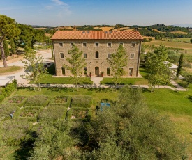 Sarteano Villa Sleeps 16 with Pool Air Con and WiFi