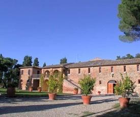 Siena Villa Sleeps 22 Pool