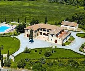 Siena Villa Sleeps 24 Pool Air Con WiFi
