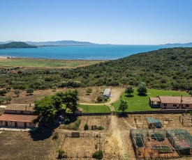 Cozy Apartments in Orbetello with Mountain Backdrop