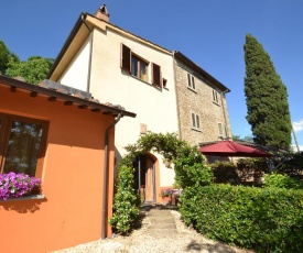 Spacious Holiday Home in Tavarnelle Val di Pesa with Pool