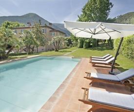 Vorno Villa Sleeps 12 Pool Air Con WiFi