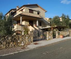 Graziosa Toscana con giardino