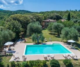 Castel del Piano Villa Sleeps 15 Pool WiFi