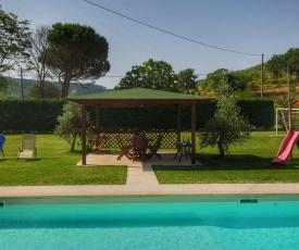 Spacious Farmhouse in Castiglion Fiorentino with Pool