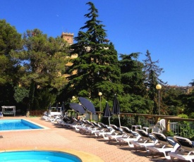 Cecina Apartment Sleeps 6 Pool WiFi