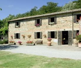 Celle sul Rigo Villa Sleeps 14 with Pool Air Con and WiFi