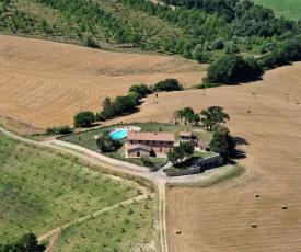 Agriturismo Gello - Villa con piscina alla sommità della collina