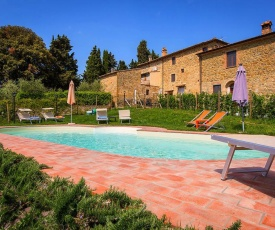 Cozy Holiday Home in Chianni Italy with Pool