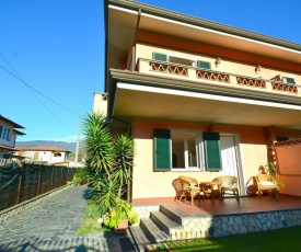 Luxurious Holiday Home in Montignoso with Garden