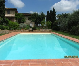 Independent apartment in a farmhouse with attached pool located in Chianti