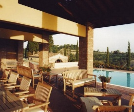 Coiano Villa Sleeps 14 with Pool Air Con and WiFi