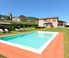 Colle di Compito Villa Sleeps 8 Pool Air Con WiFi