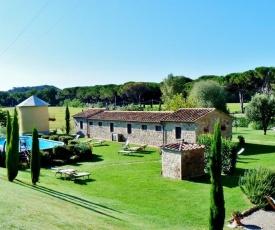 Contignano Villa Sleeps 22 with Pool Air Con and WiFi