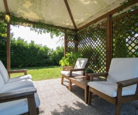 Cozy Holiday Home in Cortona with Swimming Pool