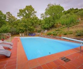 Idyllic Villa in Cortona with Swimming Pool
