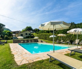 Spectacular Holiday Home in Dicomano with Swimming Pool