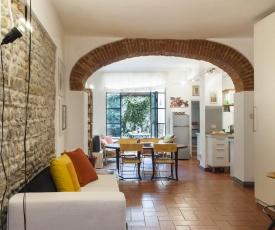 ALLEGRI- a loft with a garden in S.Croce