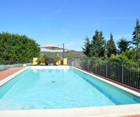 Quaint Villa in Asciano with Swimming Pool