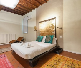 SAN FREDIANO Charming Suite