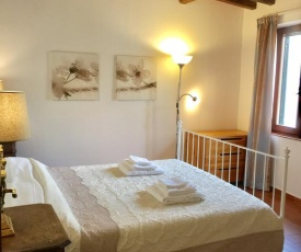 Tuscany style apt free parking 15 min from city center