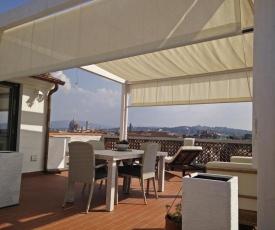 Panoramic Luxury Little Penthouse